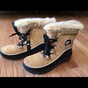 New in box Sorel women's Tivoli III boots